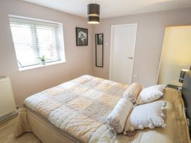 Cartwheel Cottage - Whitby & North Yorkshire - 1022390 - thumbnail photo 10