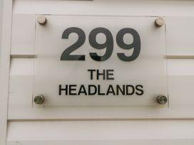 The Headlands, Chalet 299 - Norfolk - 1022426 - thumbnail photo 3