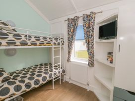 Chalet 280 - Whitby & North Yorkshire - 1024141 - thumbnail photo 9