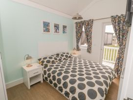 Chalet 280 - Whitby & North Yorkshire - 1024141 - thumbnail photo 10