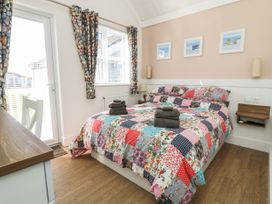 Chalet 279 - Whitby & North Yorkshire - 1024142 - thumbnail photo 8