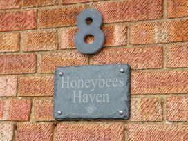 Honeybees Haven - Norfolk - 1024316 - thumbnail photo 4