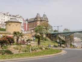 Royal Victoria House - North Yorkshire (incl. Whitby) - 1024366 - thumbnail photo 36