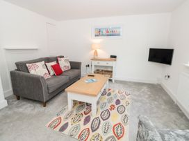 1 bedroom Cottage for rent in Dartmouth