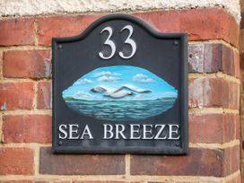 Sea Breeze - Norfolk - 1024804 - thumbnail photo 3