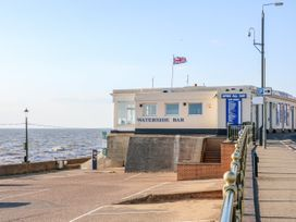 Sea Breeze - Norfolk - 1024804 - thumbnail photo 40