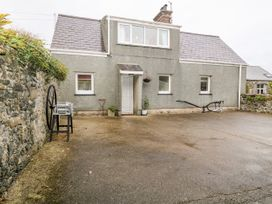 2 bedroom Cottage for rent in Pwllheli