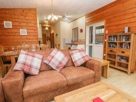 Watersview Lodge - Peak District - 1024823 - thumbnail photo 4