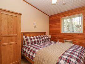 Watersview Lodge - Peak District - 1024823 - thumbnail photo 12