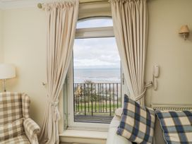 38C The Crescent - Whitby & North Yorkshire - 1025220 - thumbnail photo 3