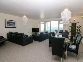 Sea View Apartment - North Wales - 1026229 - thumbnail photo 3