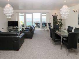 Sea View Apartment - North Wales - 1026229 - thumbnail photo 4