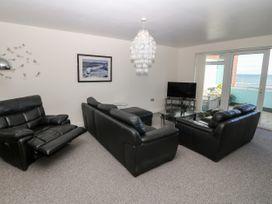 Sea View Apartment - North Wales - 1026229 - thumbnail photo 5