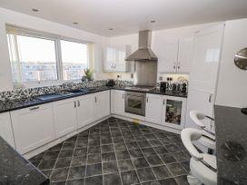Sea View Apartment - North Wales - 1026229 - thumbnail photo 7