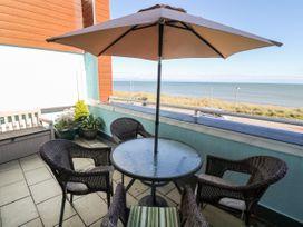 Sea View Apartment - North Wales - 1026229 - thumbnail photo 21