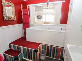 Sea View Apartment - North Wales - 1026229 - thumbnail photo 15