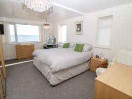 Sea View Apartment - North Wales - 1026229 - thumbnail photo 10