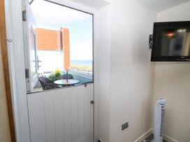 Sea View Apartment - North Wales - 1026229 - thumbnail photo 18