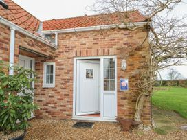 Wisteria Cottage - Norfolk - 1026350 - thumbnail photo 2