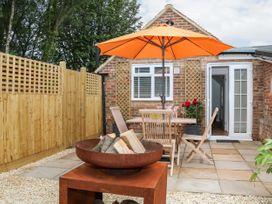 Stables Cottage - Kent & Sussex - 1026426 - thumbnail photo 17