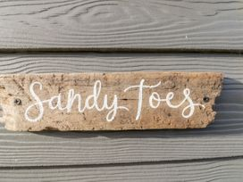 Sandy Toes - Whitby & North Yorkshire - 1026845 - thumbnail photo 4