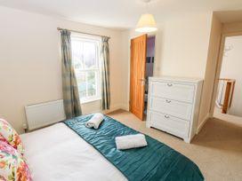 Fovant Cottage - Isle of Wight & Hampshire - 1026930 - thumbnail photo 17