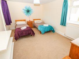 Fovant Cottage - Isle of Wight & Hampshire - 1026930 - thumbnail photo 20