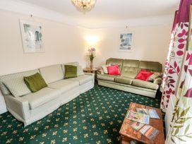Fovant Cottage - Isle of Wight & Hampshire - 1026930 - thumbnail photo 4