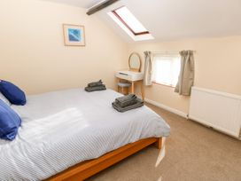 Bugle Cottage - Isle of Wight & Hampshire - 1027038 - thumbnail photo 14
