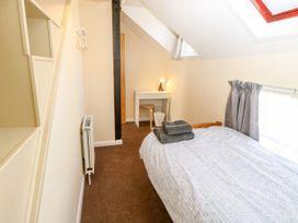 Bugle Cottage - Isle of Wight & Hampshire - 1027038 - thumbnail photo 19