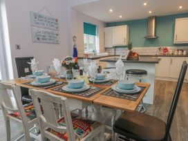 Cosy Coast Cottage - Whitby & North Yorkshire - 1027054 - thumbnail photo 6