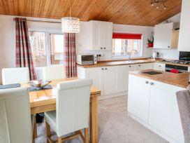 Waterfront Lodge - Lincolnshire - 1027062 - thumbnail photo 4