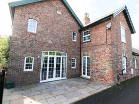 The Old Coach House - Whitby & North Yorkshire - 1027148 - thumbnail photo 2