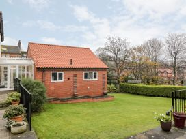 1A Prospect Hill - Whitby & North Yorkshire - 1027233 - thumbnail photo 2