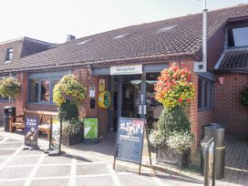 18D Shorefield Country Park - South Coast England - 1027351 - thumbnail photo 20