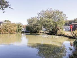 18D Shorefield Country Park - South Coast England - 1027351 - thumbnail photo 25
