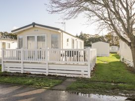 2 bedroom Cottage for rent in Milford on Sea