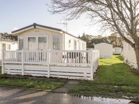 18D Shorefield Country Park - South Coast England - 1027351 - thumbnail photo 1