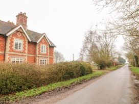 Pool Cottage - Lincolnshire - 1027422 - thumbnail photo 2