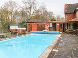 Pool Cottage - Lincolnshire - 1027422 - thumbnail photo 22