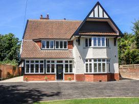 7 bedroom Cottage for rent in Burnham-on-Sea