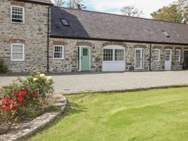 The Coach House - Anglesey - 1033525 - thumbnail photo 1
