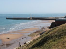 Flat 4 - Whitby & North Yorkshire - 1034058 - thumbnail photo 16