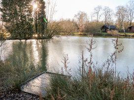 10 Duck Lake - Lincolnshire - 1034174 - thumbnail photo 31