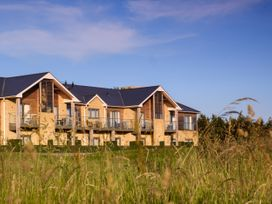 Cotswold Club (Apartment 4 Bedrooms with Golf View) - Cotswolds - 1034456 - thumbnail photo 1