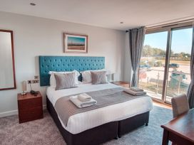 Cotswold Club (Apartment 4 Bedrooms with Golf View) - Cotswolds - 1034456 - thumbnail photo 11