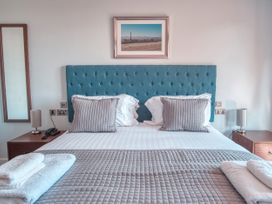 Cotswold Club (Apartment 4 Bedrooms with Golf View) - Cotswolds - 1034456 - thumbnail photo 13