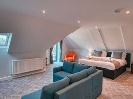 Cotswold Club (Apartment 4 Bedrooms with Golf View) - Cotswolds - 1034456 - thumbnail photo 8