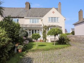 4 bedroom Cottage for rent in Nefyn
