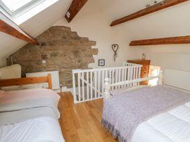 2 Primrose Villas - Whitby & North Yorkshire - 1034768 - thumbnail photo 9